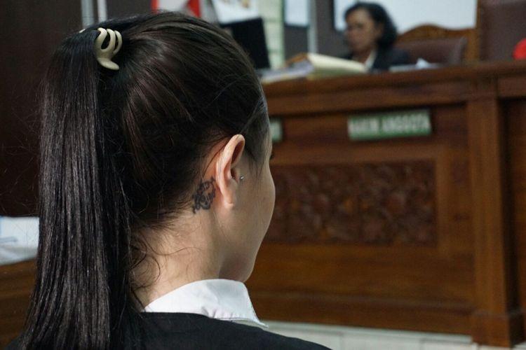 Jennifer Dunn menjalani sidang kasus dugaan penyalahgunaan narkotika di Pengadilan Negeri Jakarta Selatan, Senin (14/5/2018).
