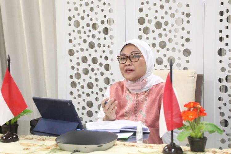 Menaker Ida Fauziyah saat melakukan video conference dengan perwakilan Korsel