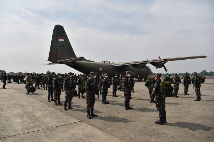 Sebanyak 176 personel, yang merupakan siswa Sepa PK TNI dan Susgakes 2021, tiba di Lanud Halim Perdanakusuma, Jakarta Timur, Senin (28/6/2021). Mereka berangkat dari Lanud Adisutjipto Yogyakarta.