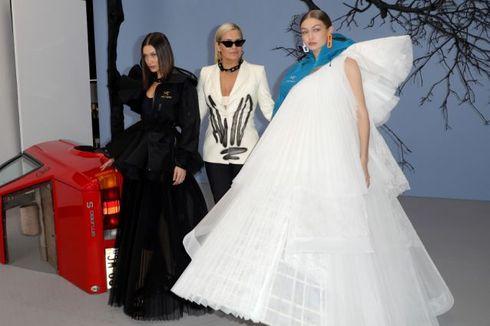 Pesona Bella dan Gigi Hadid, Dampingi Ibu 'Comeback' di Panggung Mode