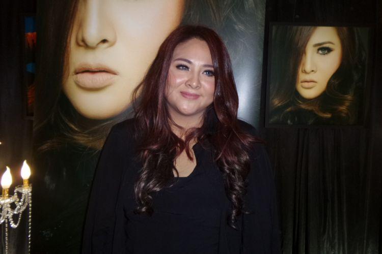 Audy Item ditemui di Sony Music Lounge di Wisma GKBI, Jakarta Pusat, Rabu (4/10/2017) sore.