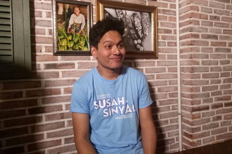 Rendy Pandugo ditemui pada jumpa pers peluncuran trailer dan soundtrack film Susah Sinyal di kawasan Kuningan, Jakarta Selatan, Selasa (5/12/2017).