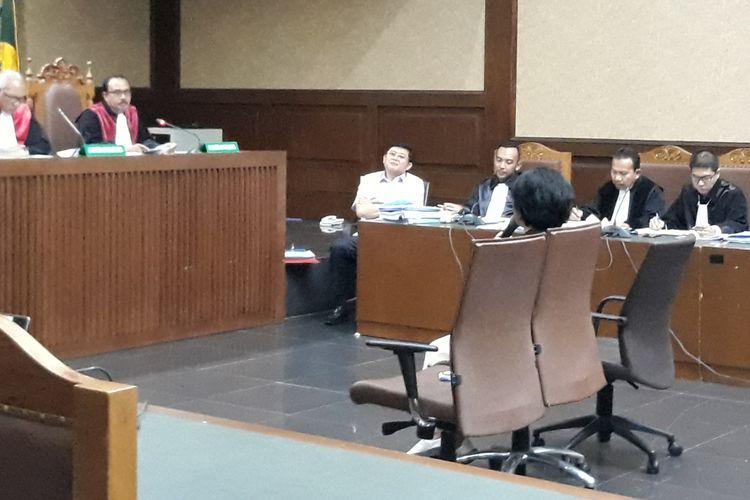 Pegawai PT Gajendra Adhi Sakti, Dina Soraya bersaksi di Pengadilan Tindak Pidana Korupsi Jakarta, Kamis (6/12/2018).