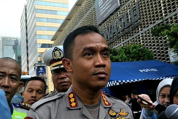 Kapolres Jakarta Pusat Kombes Harry Kurniawan di depan Gedung Bawaslu RI, Senin (27/5/2019)