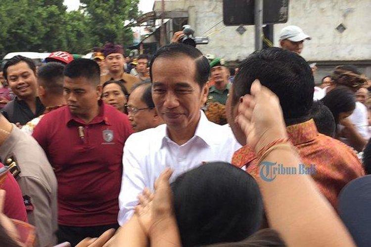 Presiden Joko Widodo kunjungi Pasar Sukawati, Gianyar, Jumat (14/6/2019).