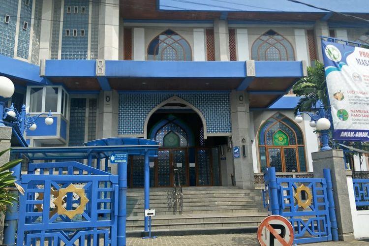 Masjid Al-Azhar, Jakasampurna, Bekasi Barat, Jumat (19/6/2020).