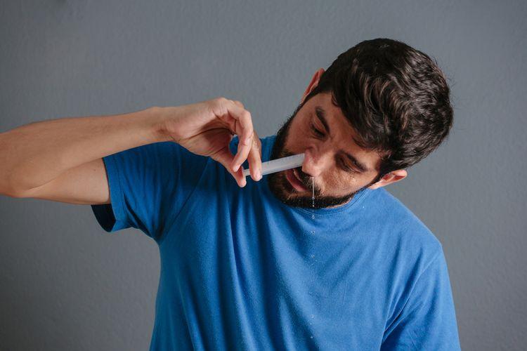 Ilustrasi cuci hidung