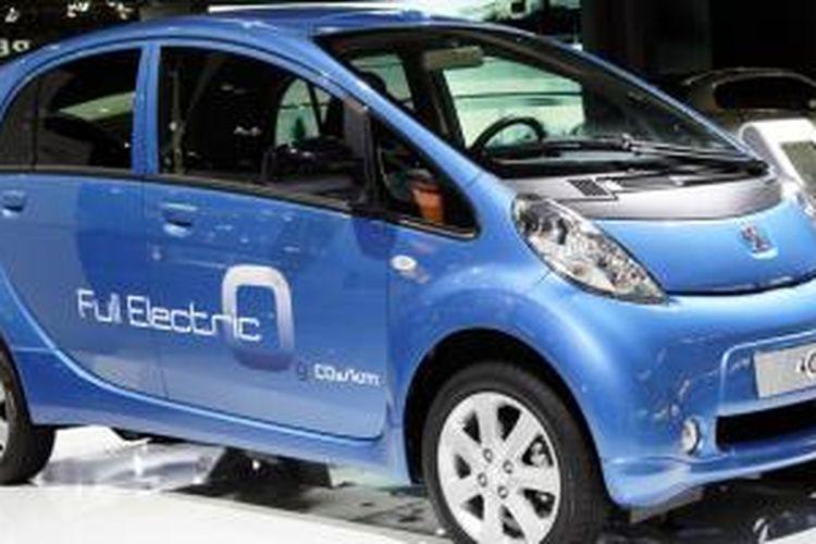 Peugeot iOn, saudara kembar Mitsubishi i-MiEV.