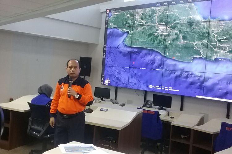 Kepala Pusat Data Informasi dan Humas Badan Nasional Penanggulangan Bencana (BNPB) Sutopo Purwo Nugroho di Kantor BNPB Jakarta, Sabtu (16/12/2017).