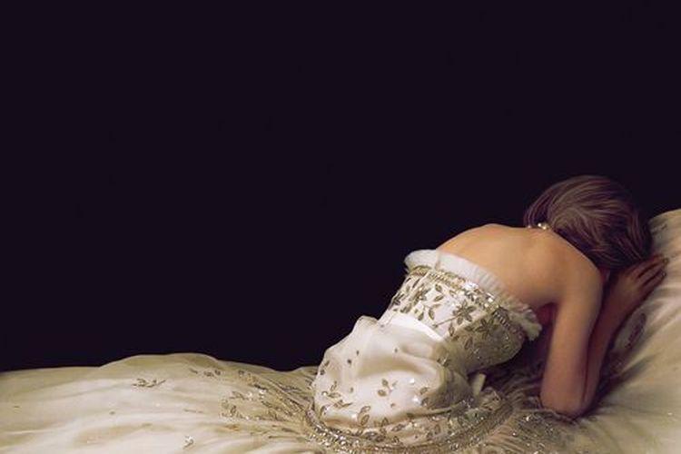 Poster film Spencer yang dibintangi oleh Kristen Stewart.