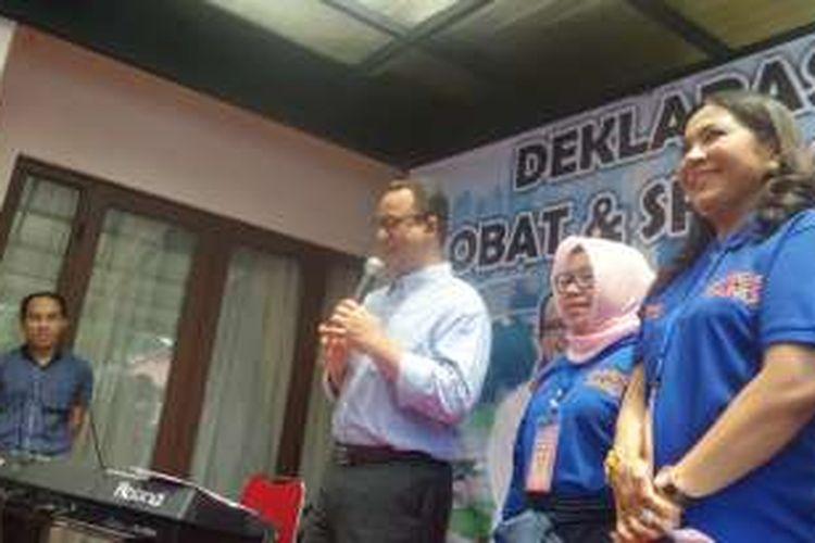 Bakal calon gubernur DKI Anies Baswedan saat mendatangi relawan Srikandi di Jakarta Pusat, Rabu (5/10/2016)