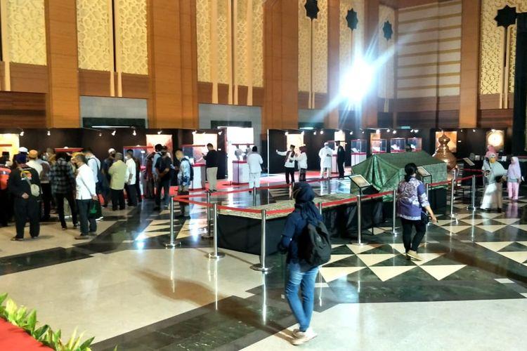 Pameran Artefak Nabi Muhammad Saw yang digelar di Jakarta Islamic Center, Koja, Jakarta Utara, Jumat (23/4/2021)