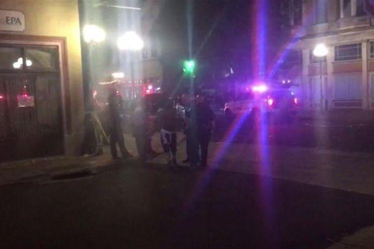 Masyarakat berkumpul di E 5th Street Dayton Ohio pasca-penembakan