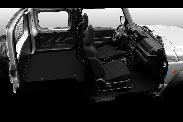 Kabin Suzuki Jimny versi kendaraan niaga