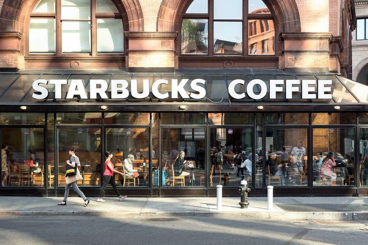 Ilustrasi gerai Starbucks di New York, Amerika Serikat, (8/5/2015)