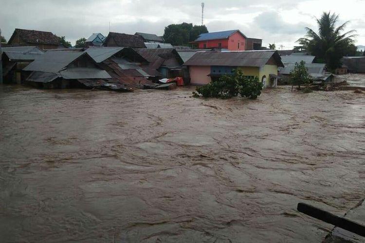 Banjir terjang 4 Kelurahan di Kabupaten Dompu, NTB pada Rabu Sore (3/4)