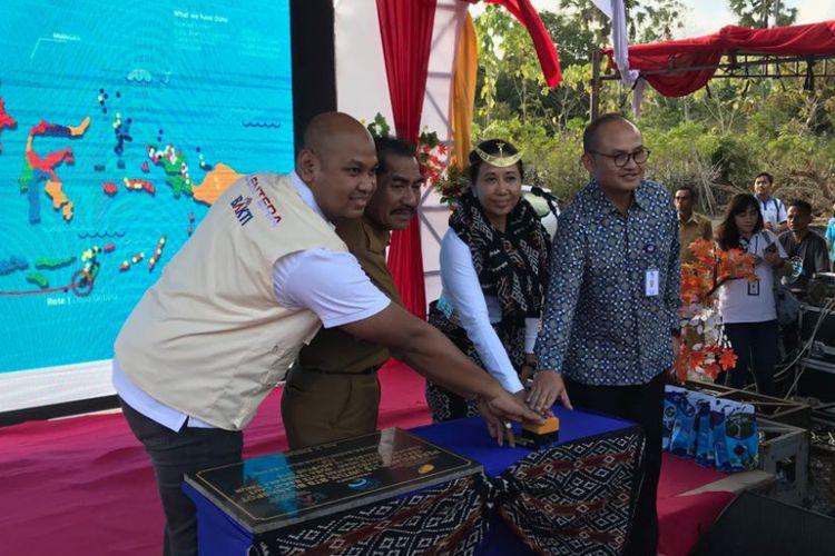 Menteri BUMN Rini Soemarno saat meresmikan BTS di Pulau Rote, NTT, Senin (13/8/2018).