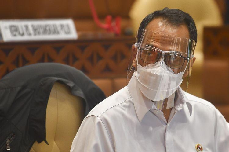 Menteri Perhubungan Budi Karya Sumadi mengikuti Rapat Dengar Pendapat (RDP) dengan komisi V DPR,  di Kompleks Parlemen, Senayan, Jakarta, Rabu (3/2/2021). ANTARA FOTO/Muhammad Adimaja/hp.