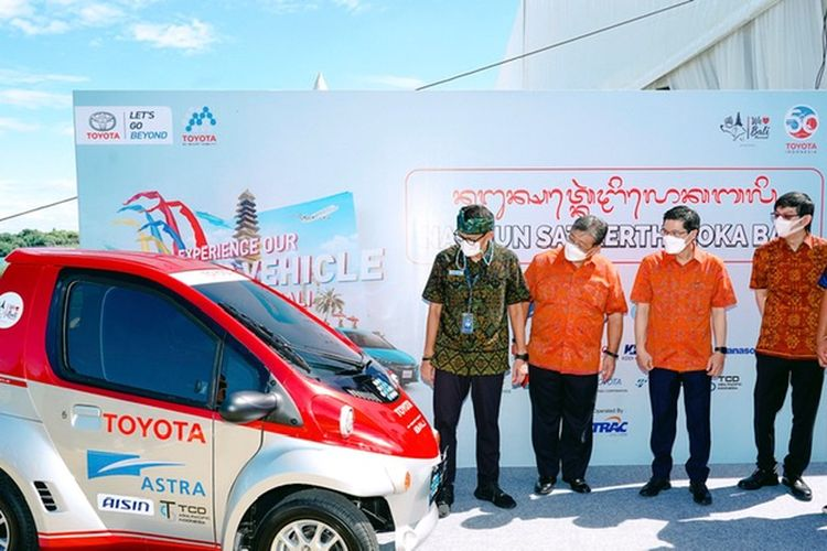 Peresmian Toyota Coms dan C+Pod di Nusa Dua Bali