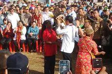Tiba di Jayapura, Jokowi Mendadak Keluar dari Mobil untuk