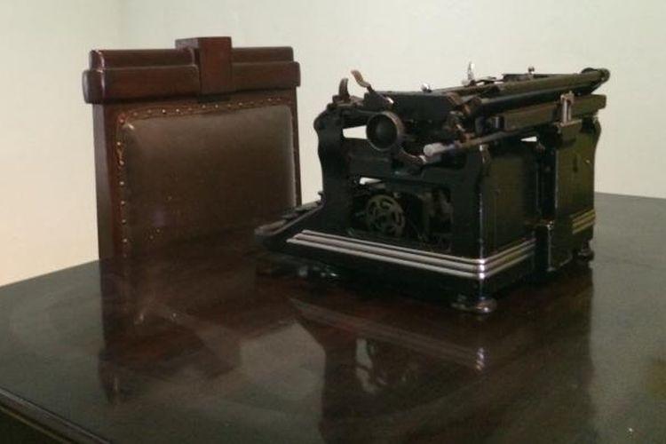 Replika mesin ketik naskah proklamasi di Museum Perumusan Naskah Proklamasi, Menteng, Jakarta.
