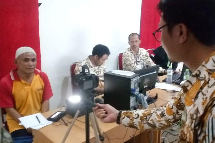 Perekaman E-KTP di Rutan II B Cilodong, Depok, Kamis (17/1/2019).