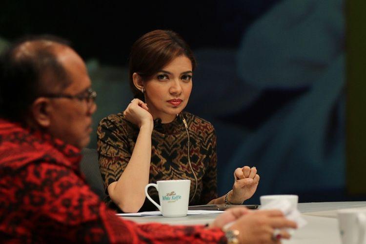 Pembawa acara Najwa Shihab saat membawakan salah satu episode Mata Najwa. Pada Rabu (19/2/2020), Mata Najwa merayakan peringatan 1 dekade program itu mengudara.