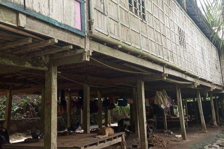 Rumah milik Natu bin Takka. Hampir seluruh warga Ale Sewo secara turun-temurun berprofesi sebagai petani.