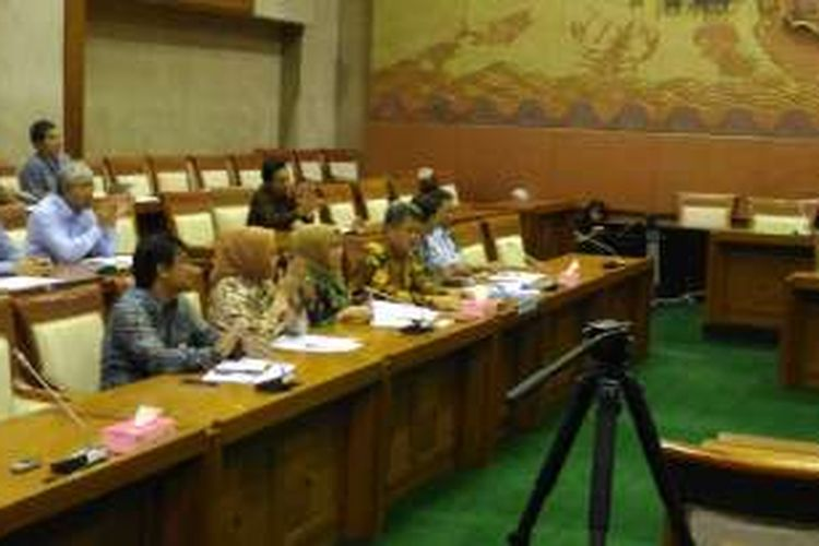 Ketua KPPU Sarkawi Rauf saat Rapat dengan Komisi VI di Gedung DPR, Jakarta, Selasa (7/6/2016).