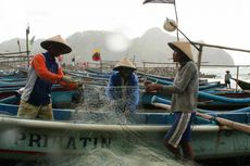 Bupati dan Dermaganya, Nelayan dan Ketidakpastian Hidupnya