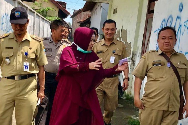 Anggota DPR RI Komisi IX Dewi Aryani saat bersama sejumlah pejabat Kabupaten Tegal meninjau kesiapan RSUD  Suradadi, 9 Maret 2020 lalu.