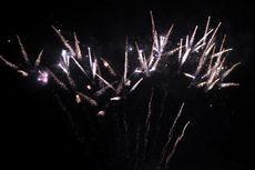 Langit Jayapura Penuh Kembang Api