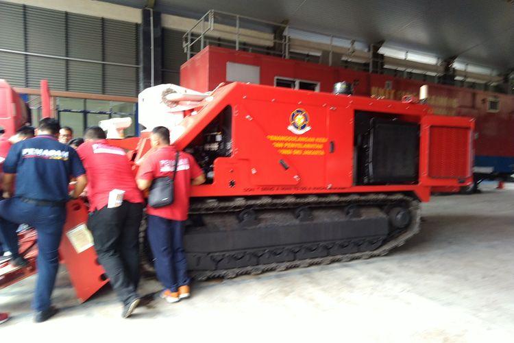 Sebanyak 15 anggota damkar mengikuti pelatihan untuk mengoperasikan robot pemadam kebakaran pada Jumat, (7/2/2020)