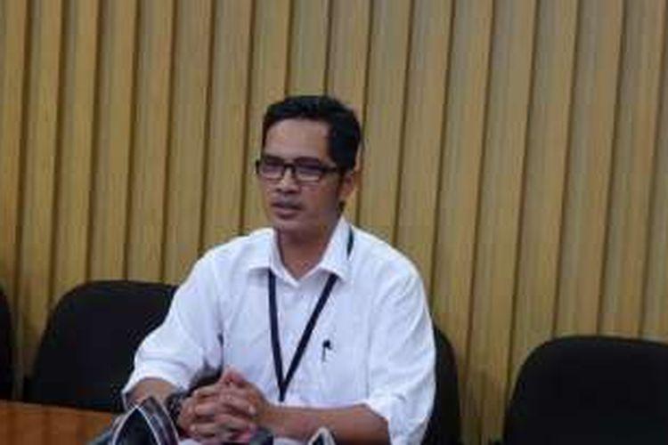 Juru Bicara KPK Febri Diansyah saat jumpa pers di Gedung KPK Jakarta, Selasa (6/12/2016).