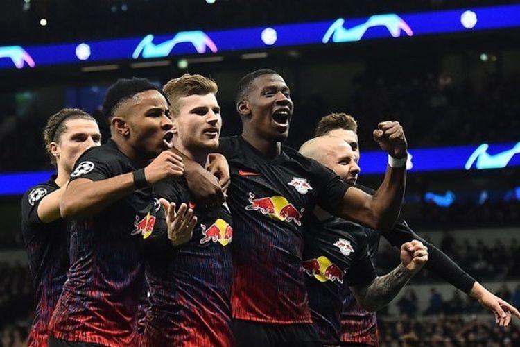 Para pemain RB Leipzig merayakan gol Timo Werner ke gawang Tottenham Hotspur pada laga leg pertama babak 16 besar Liga Champions di Stadion Tottenham, Rabu (19/2/2020) atau Kamis dini hari WIB.