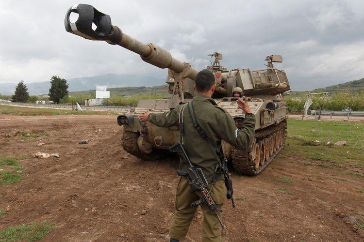 Militer Israel melakukan latihan di Dataran Tinggi Golan yang dikuasai Tel Aviv.