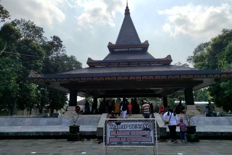 Makam Bung Karno di Kelurahan Bendogerit, Kota Blitar, Minggu (20/6/2021).