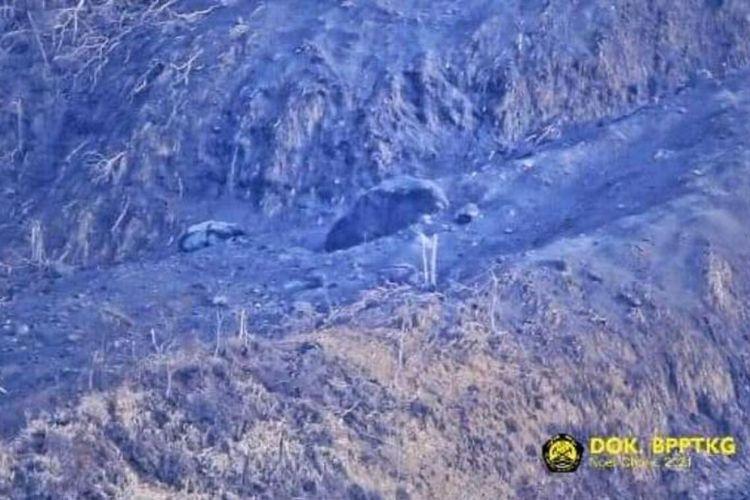 Foto gundukan material di lereng Gunung Merapi. Balai Penyelidikan dan Pengembangan Teknologi Kebencanaan Geologi (BPPTKG) memastikan gundukan di lereng Gunung Merapi tersebut bukanlah kubah lava baru. (Foto Dokumentasi BPPTKG).