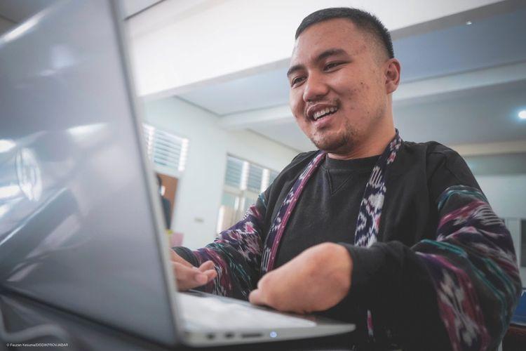 Cerita Guru Dadan, Saat Keterbatasan Fisik Tak Halangi Keberhasilan