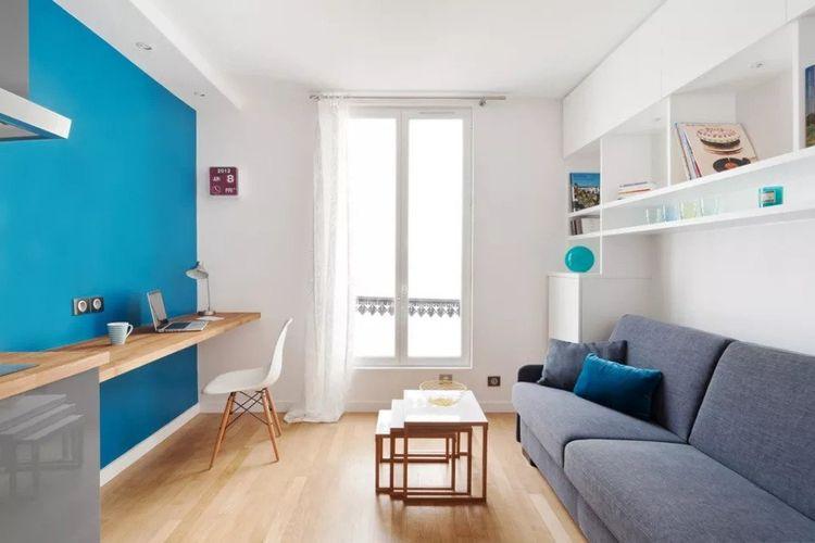 Ruang kerja minimalis aksen biru karya Marion Alberge