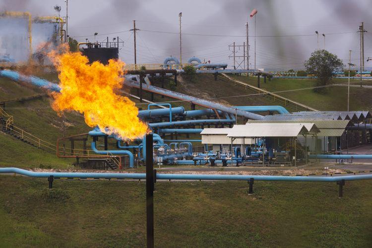 Fasilitas minyak PT Chevron Pacific Indonesia di daerah Minas yang masuk dalam Blok Rokan di Riau, Rabu (1/8/2018). Kementerian ESDM memutuskan untuk menyerahkan pengelolaan Blok Rokan setelah kontrak Chevron habis pada 2021, dan mengakhiri kemitraan perusahaan itu dengan Pemerintah Indonesia yang sudah berlangsung selama lebih dari 90 tahun.