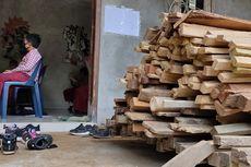 Perjuangan Bocah Bukit Menoreh, Lewati Hutan dan Kebun demi Ujian Tengah Semester