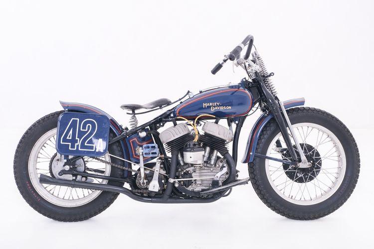 Harley-Davidson WLA lansiran 1942 hasil restorasi oleh Pitstop Motor Werk