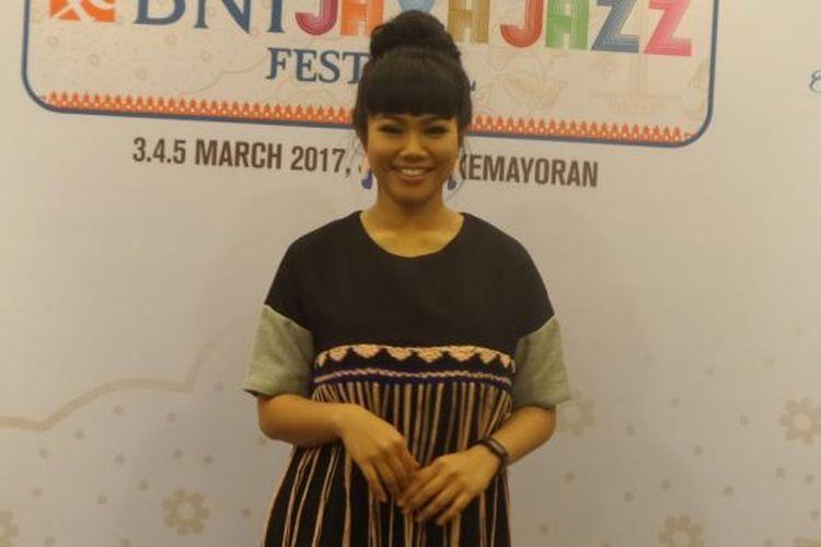 Yura Yunita usai tampil dalam Java Jazz Festival 2017 di JIExpo Kemayoran, Jakarta Pusat, Sabtu (4/3/2017) malam.