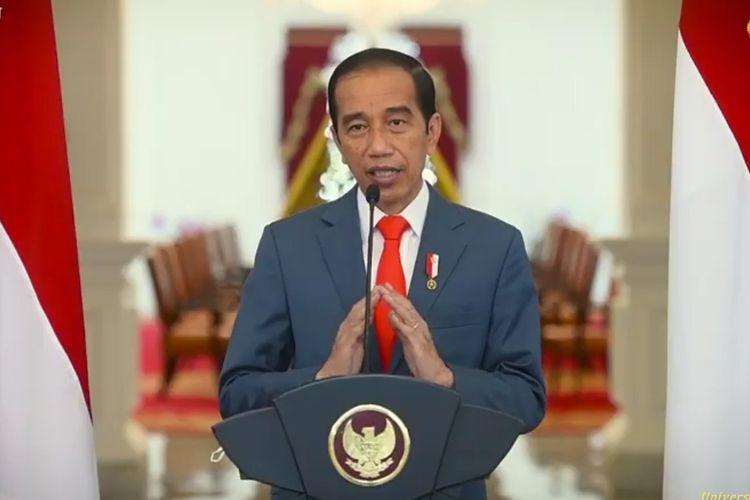 Presiden Jokowi saat memberikan sambutan dies natalis UI ke-71