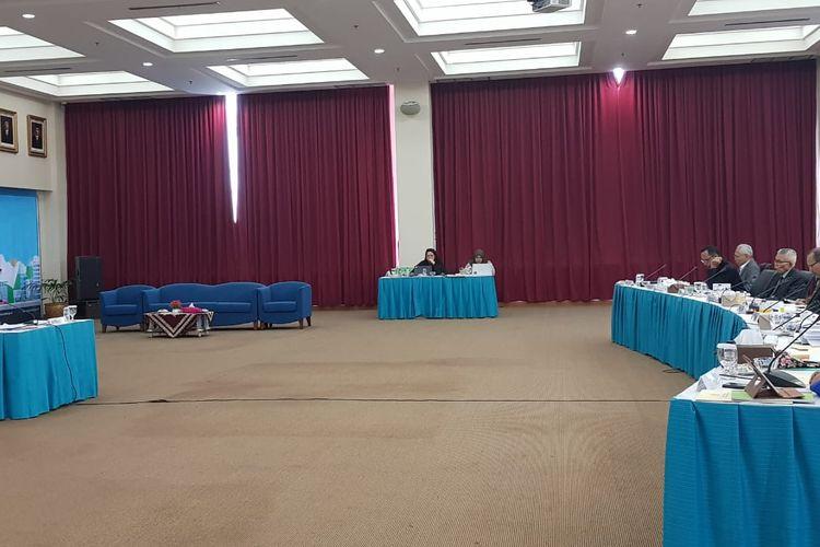 Jaka Mulyata saat mengikuti wawancara terbuka seleksi calon hakim ad hoc hubungan induatrial pada Mahkamah Agung di Komisi Yudisial (KY), Senen, Jakarta Pusat, Senin (18/11/2019).