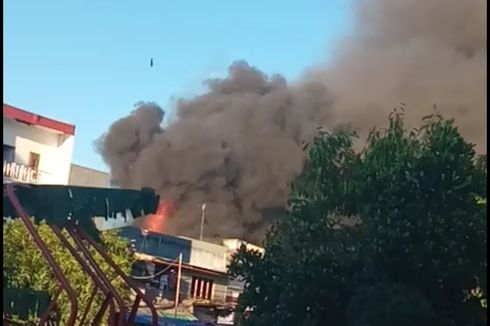 Kipas Angin Korslet, 12 Rumah Ludes Terbakar di Angke