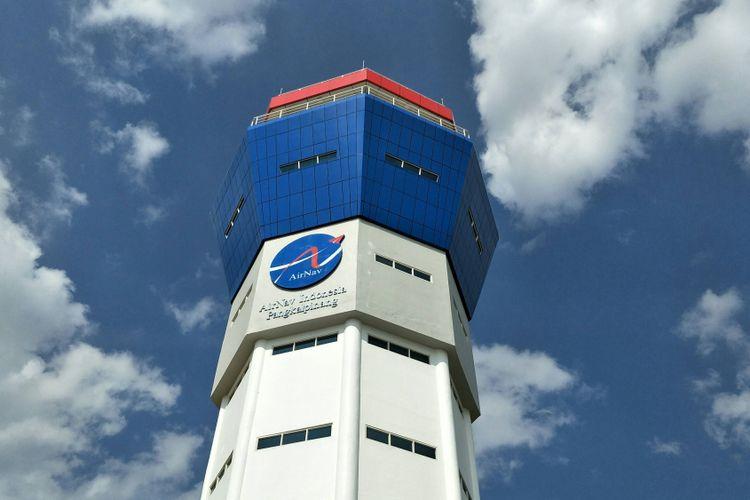 Perusahaan Umum Lembaga Penyelenggara Pelayanan Navigasi Penerbangan Indonesia (LPPNPI) atau AirNav Indonesia mulai mengoperasikan tower baru di Bandara Depati Amir, Pangkalpinang, ProvinsiKepulauan Bangka Belitung, Senin (12/2/2018).