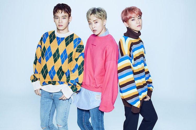 Para member EXO-CBX, (dari kiri) Chen, Xiumin, dan Baekhyun