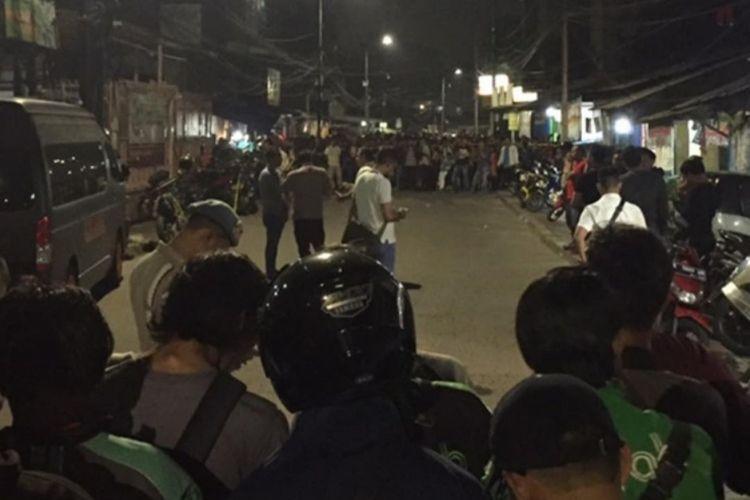 Temuan tas hitam diduga bom di Jalan Mawar, Kembangan, Jakarta Barat, Selasa (18/2/2020) malam